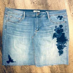 Plus Size Embroidered Denim Skirt Size 16 Bird